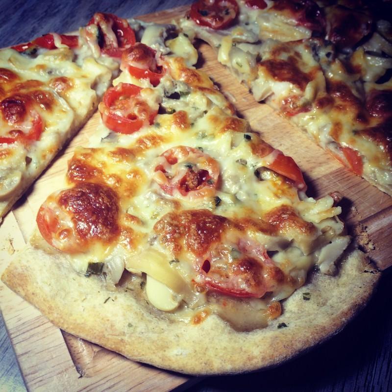 Пицца с шампиньонами и черри (1)