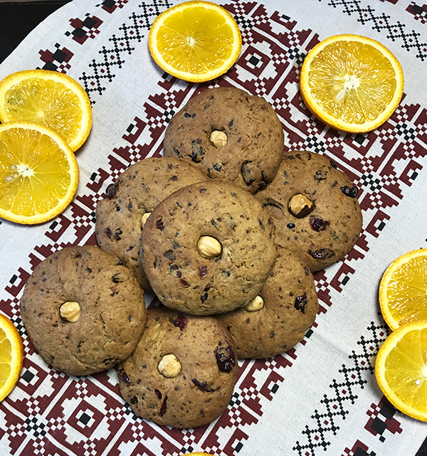 Апельсиновое печенье с шоколадом и клюквой