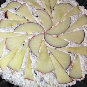 Творожная запеканка с яблоком и барбарисом 10