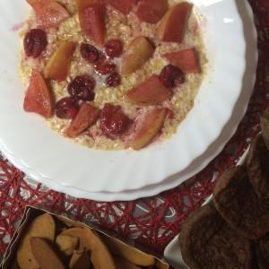 Полезная каша с яблоком, вишней и медом 6