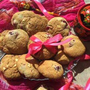 Мускатное печенье с клюквой и миндалем