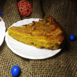 Морковный пирог с яблоком и изюмом 3